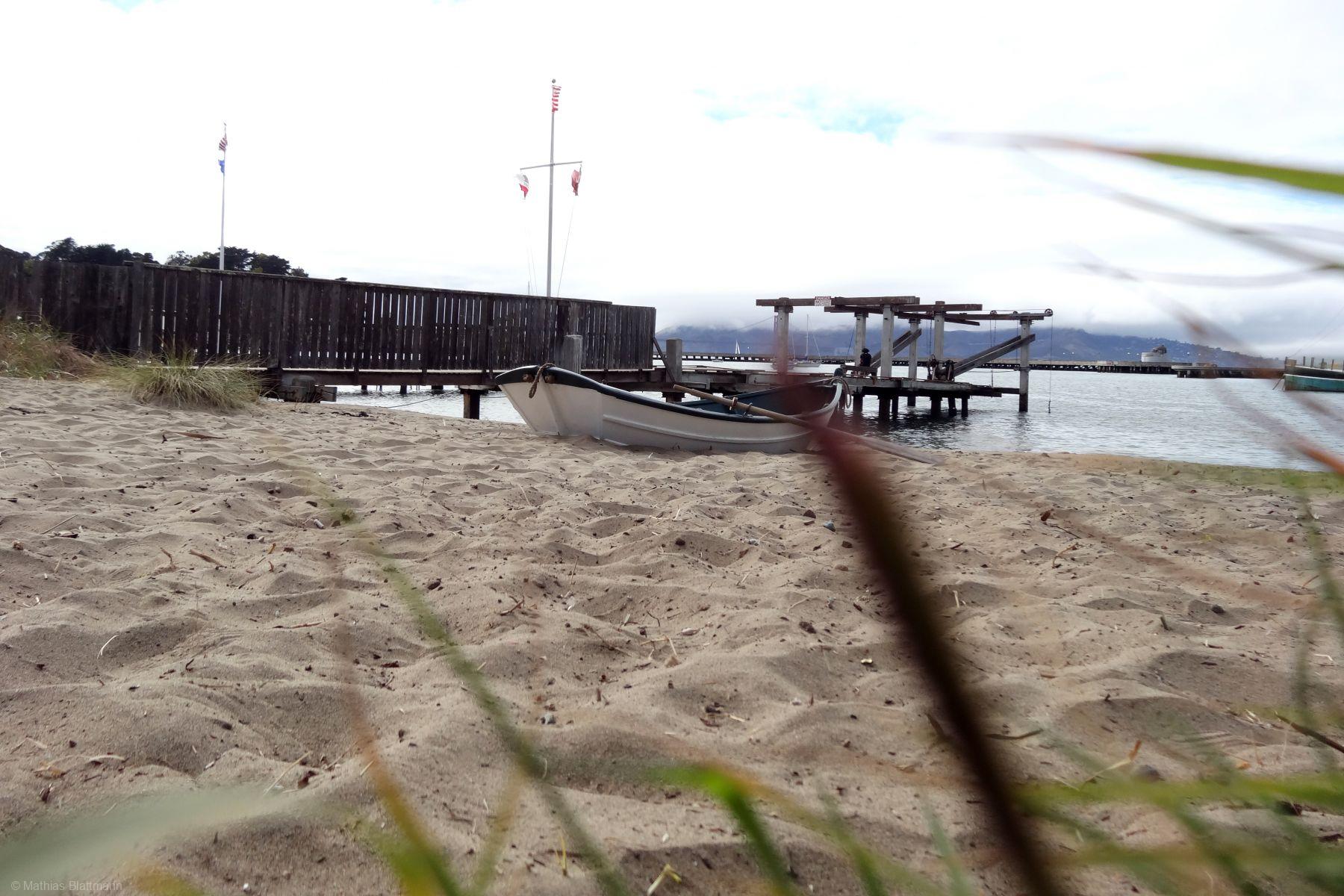 Boat-Sand